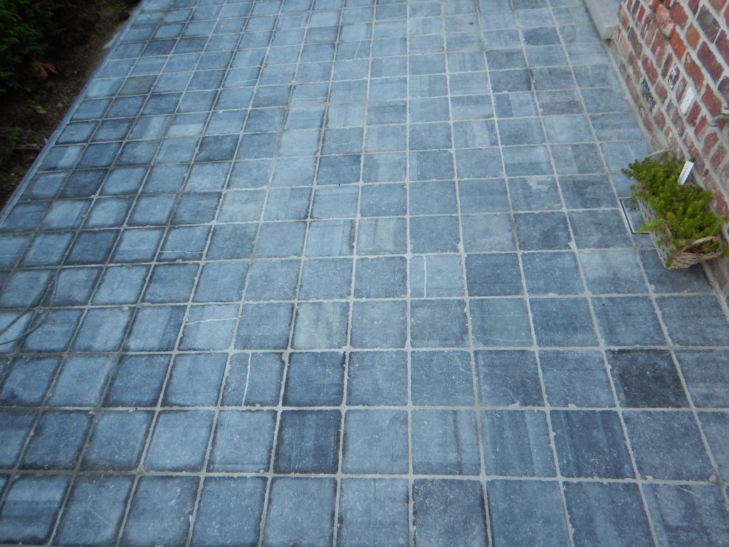 Blauwe Hardsteen Terras.Belgische Blauwe Steen Tuincreaties Caudron